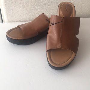 BOC Alip on sandal size 10 NWT